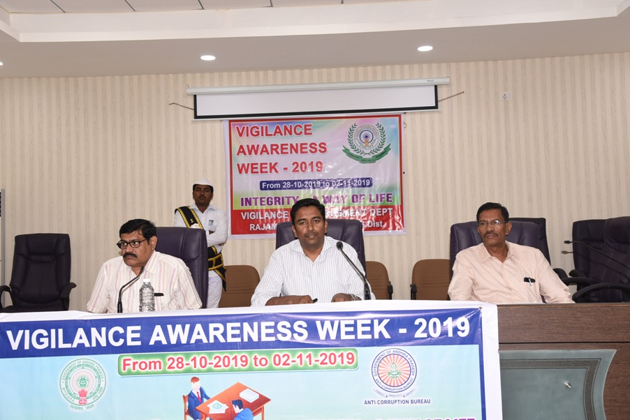 JC took pledge on Vigilance Awarness Week