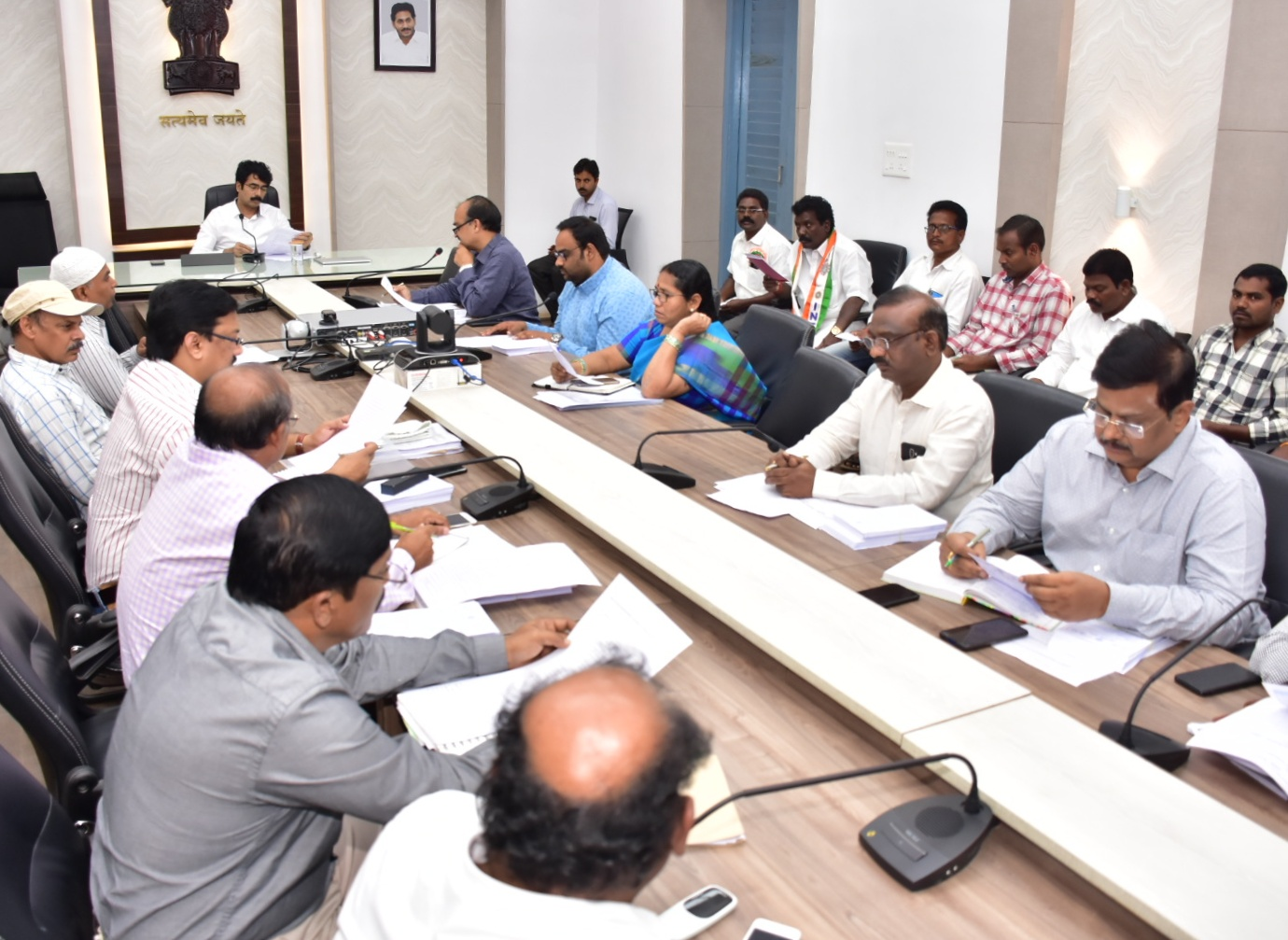Collector held DLMC meeting on PM-SYM and PM-NPS