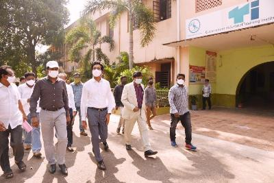 On 05.11.2020 District Collector and Joint Collector(R) inspected Lands in Govt ITI College and RMC, Kakinada. RDO, ITI & RMC principal's and other officers participated