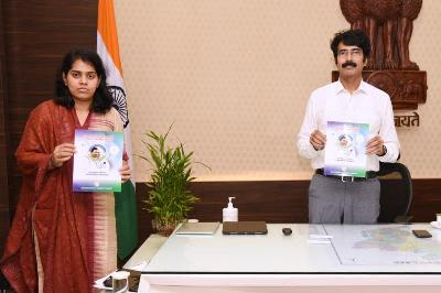 On 05.11.2020 District Collector and Joint Collector(D) released AarogyaSri Booklet on Aarogya Mithra Information at collectorate, Kakinada. AarogyaSri District Manager and District Coordinator participated.