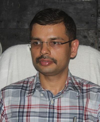 डा०आदर्श-सिंह-IAS