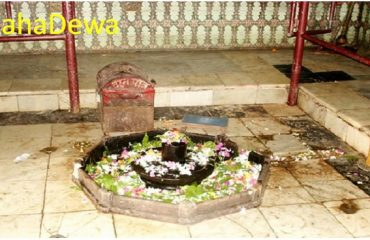 Ancient-Shivling-in-Temple-Mahadeva
