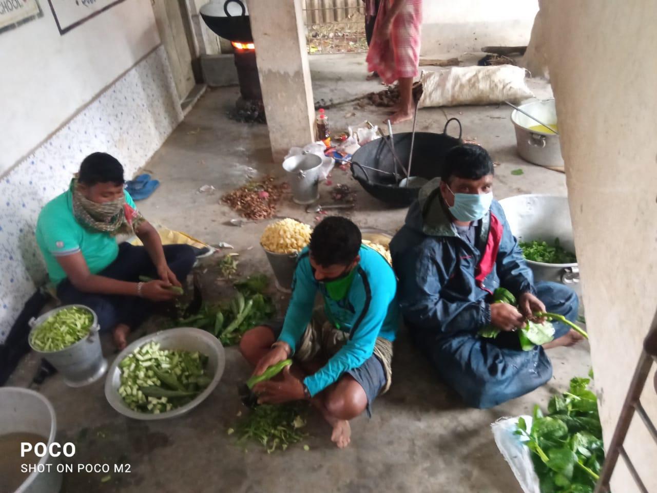 Flood shelter and gruel kitchen at Patashpur I block