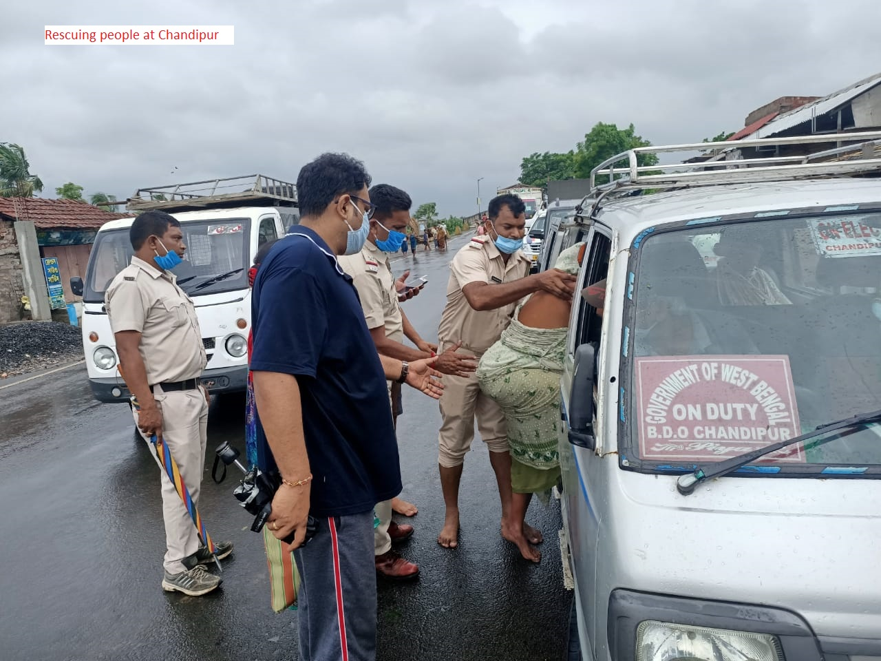 Rescuing people at Chandipur