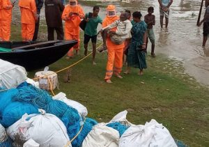 Rescuing people at Contai I at Junput
