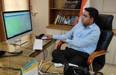 DM Katni working on eOffice.