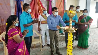 Collector Inaugurate Co-Optex Shop