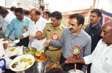 MLA, Collector and SP serving food