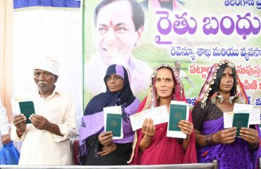 Farmers received Cheques in Nyalkal
