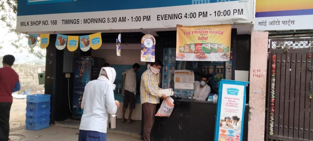 Early morning ,awareness team visiting various milk booths and tea stalls in Palam Area.4