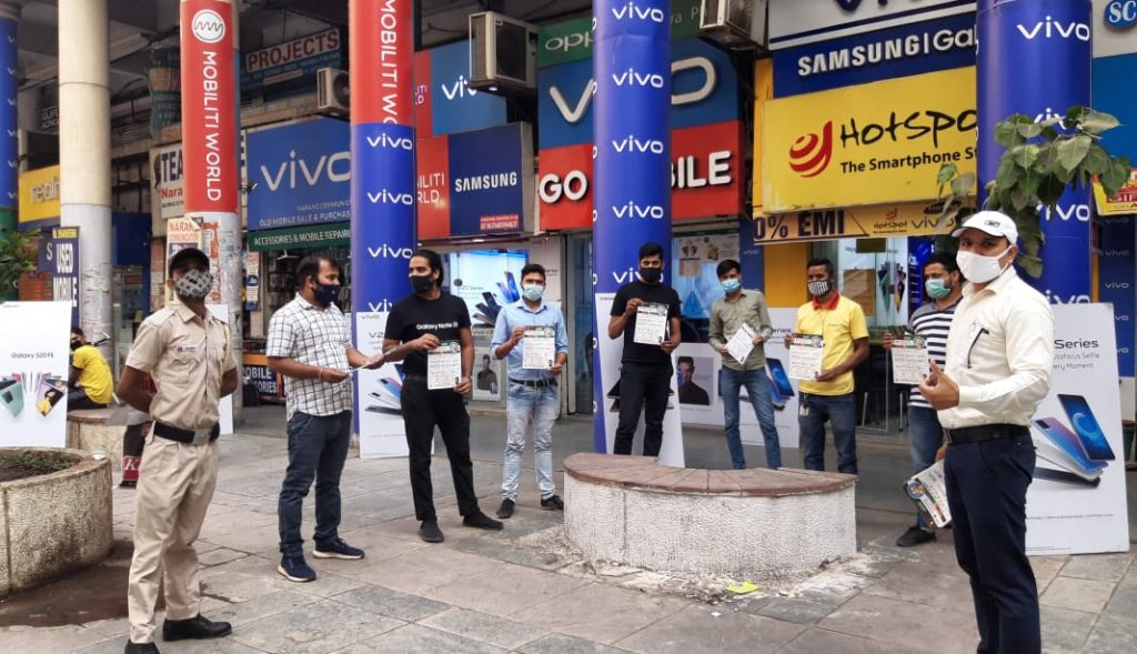 Team visiting Malls and market places6