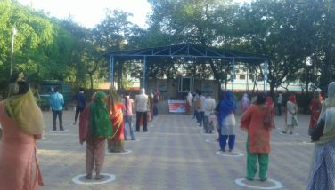 Food distribution at Hunger Relief Centers in Najafgarh, while maintaining social_distancing
