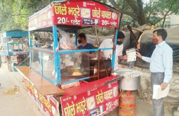 Team at various tea stall and eating places in early morning2