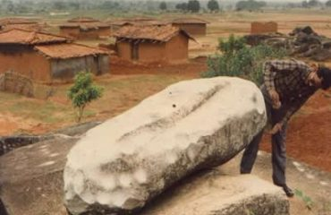 Old Picture of Tin Tini Stone At Darima