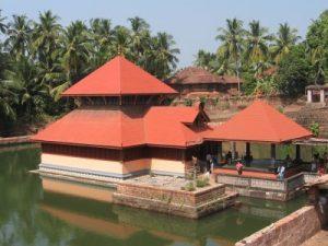 തടാക ക്ഷേത്രം