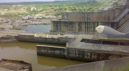Dantiwada dam at dantiwada