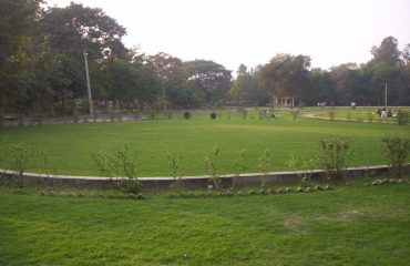 Paryavaran Park Sultanpur is located at the bank of river Gomti and very much liked by people for visiting in the green area of city.