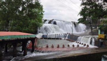 Thirparappu Water Falls
