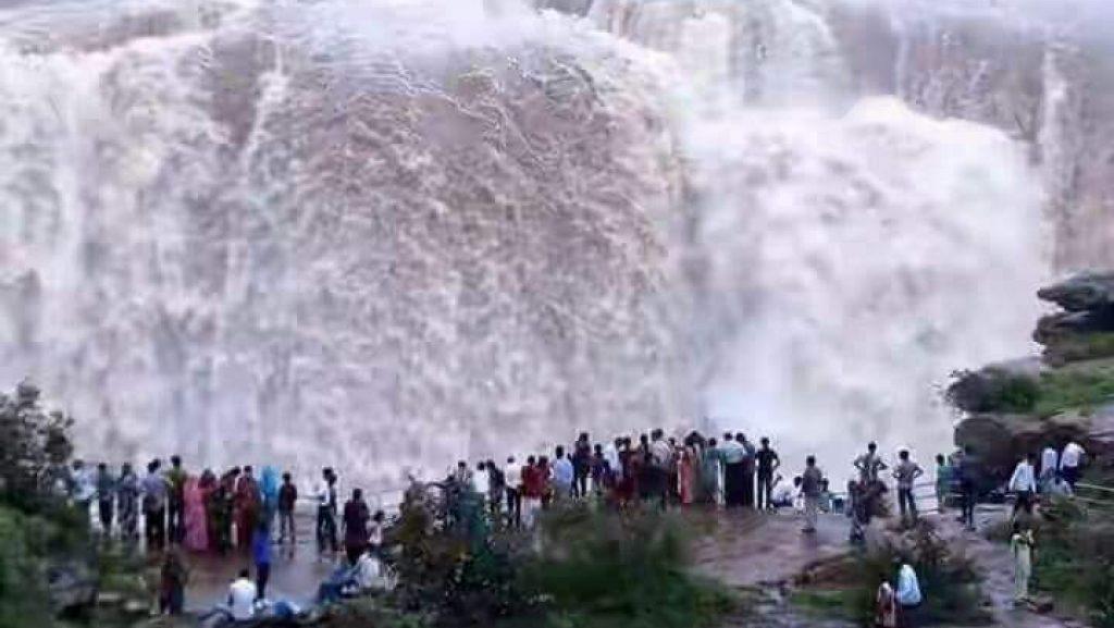 पुरवा जलप्रपात | जिला रीवा ...