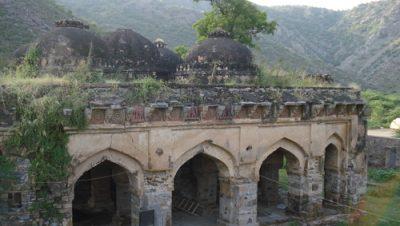 Masjid Nahar Khor, Firozpur Jhirka.