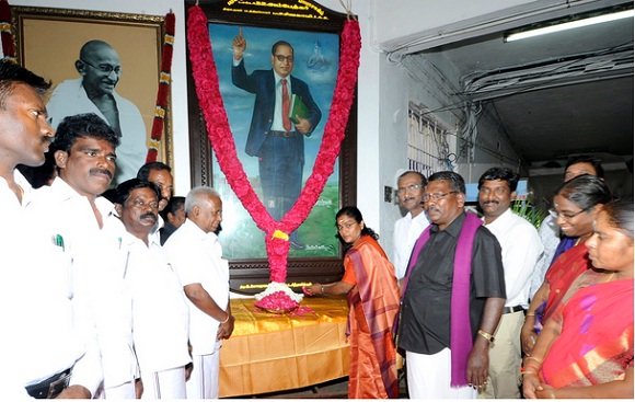 Floral Tributes to Dr. B R Ambedkar on 06.12.2018