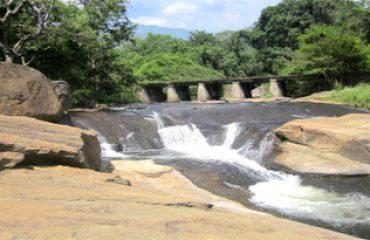 Kumbakkarai Falls image