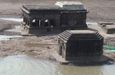 मुद्गल नदी मंदीरे