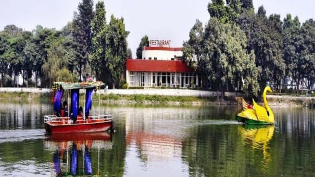 Karan-Lake-Resort