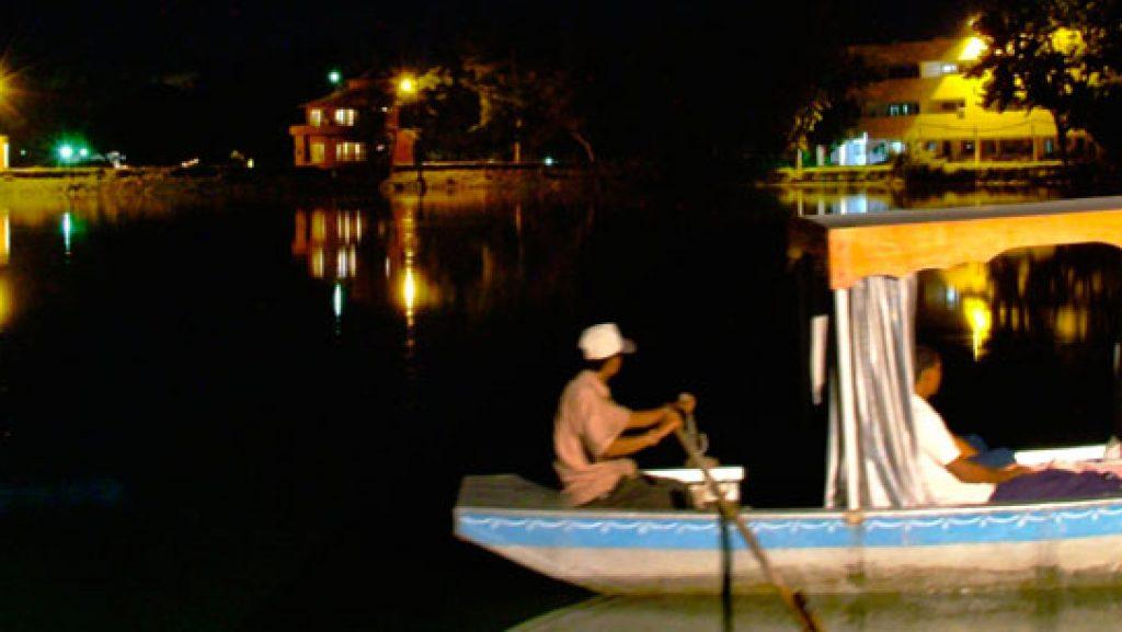 karna-lake-boating-at-night