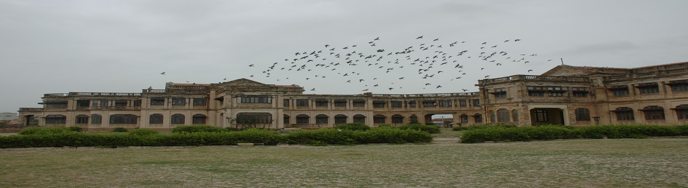 It was built by Rana Natwarsinhji, who was the last Maharaja of the Princely State of Porbandar,