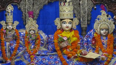 Idols-of-Lord-Ram-and-Devi-Sita-Kanak-Bhawan
