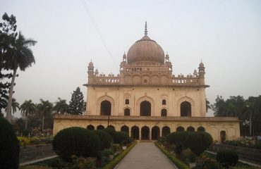 Gulab Bari Main Tomb Building