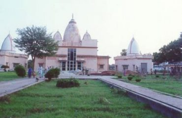 Panoramic-view-of-the-area-Jain-Temple