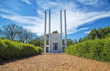 French War Memorial, Beach Road
