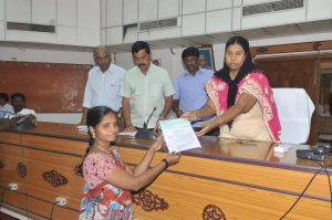 District Collector distributing to TAHDCO Beneficiaries