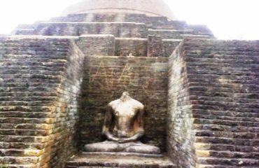 Statue of Mahatma Budh, Kesaria Baudh Stup Photo1, Kesaria