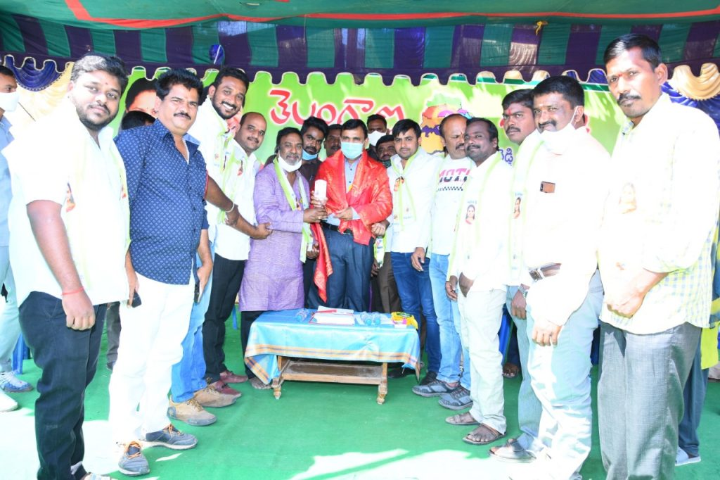 District Collector started the district level volleyball competitions at Kamareddy Saraswati Shishu Mandir school premises