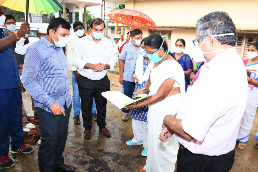 The District Collector inspected the house survey in Devuni Palli.