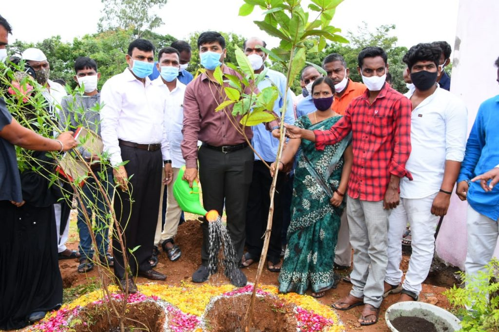 Collector inspected the Palle Pragathi Works in Lingampet Mandal
