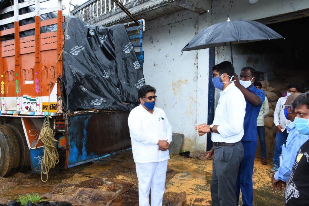 District Collector Jitesh V. Patil,IAS Visited the Haripriya Rice Mill in Yellareddy.