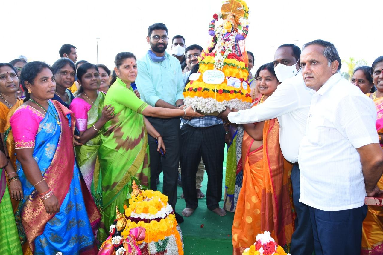 Bathukamma Festival Celebrations in Collectorate Kamareddy