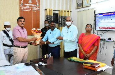 Representatives of Vishwa Agrotech along with district agriculture and horticulture officials on Thursday i.e 25-02-2021 met District Collector Dr. A.Sharath, IAS to discuss the oil farm they are undertaking in the district