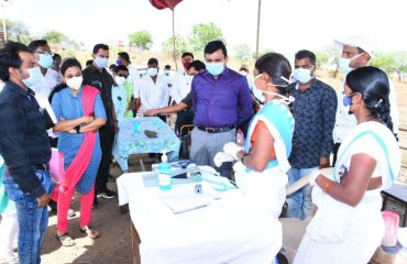 District Collector inspected the Sompur and Madnur Check posts