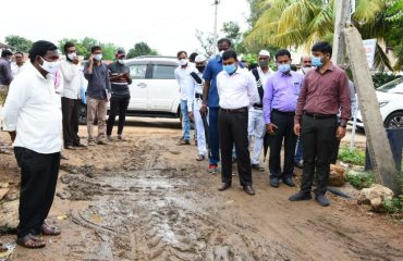 District Collector inspected the Avenue palntatio works in Lakshmapur and Balaji Nagar Tanda villages