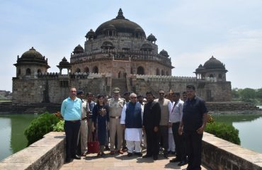 H.E. Governor of Bihar in front of Sher Shah Suris Tomb