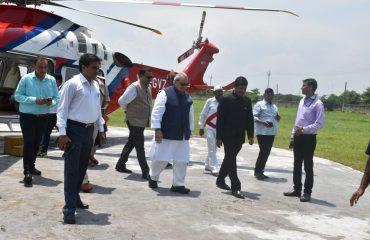 DM Rohtas receiving the honourable Governor of Bihar Shri Satya Pal Malik