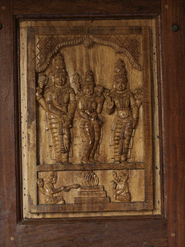 Avinashi Temple - wood art.