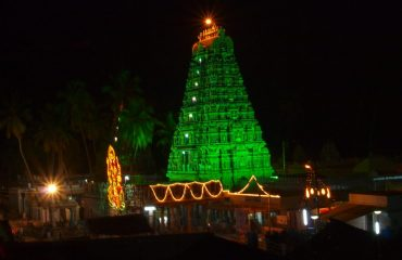 Avinashi Temple with light views.