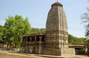 मंदिर साइड से दृश्य