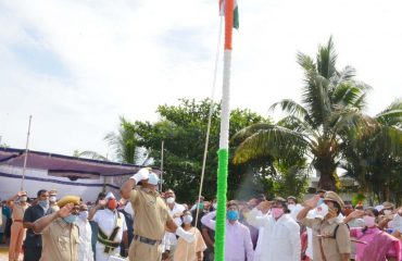 Saluting National Flag